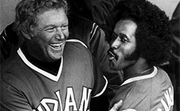 Indians first baseman Boog Powell, left, celebrates with right fielder Oscar Gamble, April 1975
